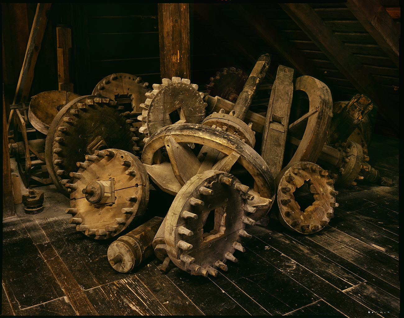 18th Century grinding gears, Grist Mill, Mount Vernon. Virginia, 2016